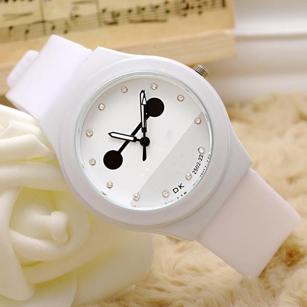 可爱大白造型时尚学生手表批发厂家直销【稳达时钟表】