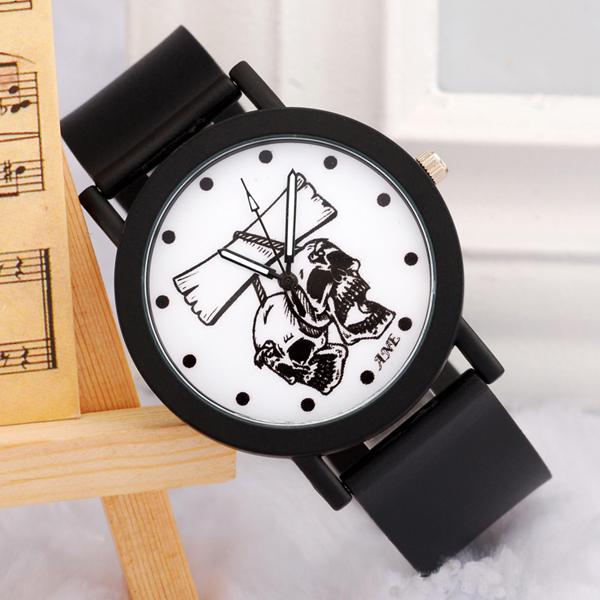 深圳手表批发厂家供应骷髅头个性学生手表批发【稳达时钟表】